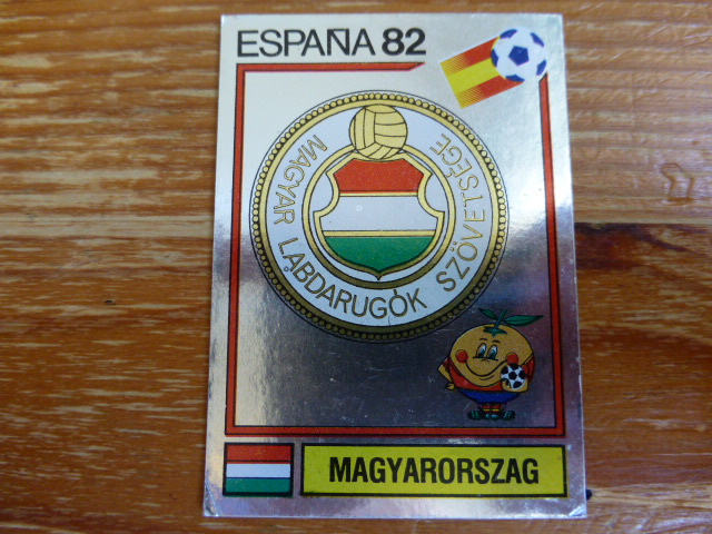 Panini Espana 82 Badge - Hungary (3)