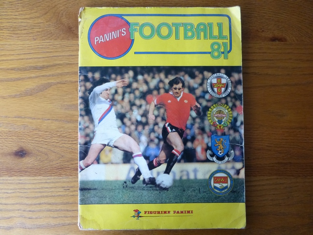 Panini Football 81 Complete Album (01)